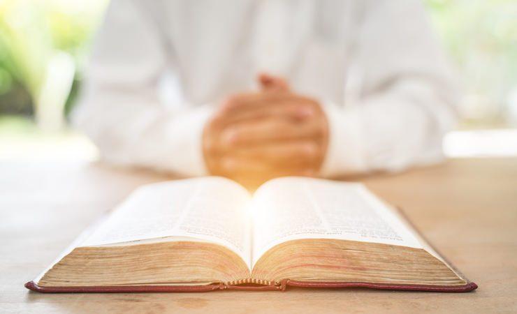 10 Salmos poderosos para quebrar o mal em nossa vida!