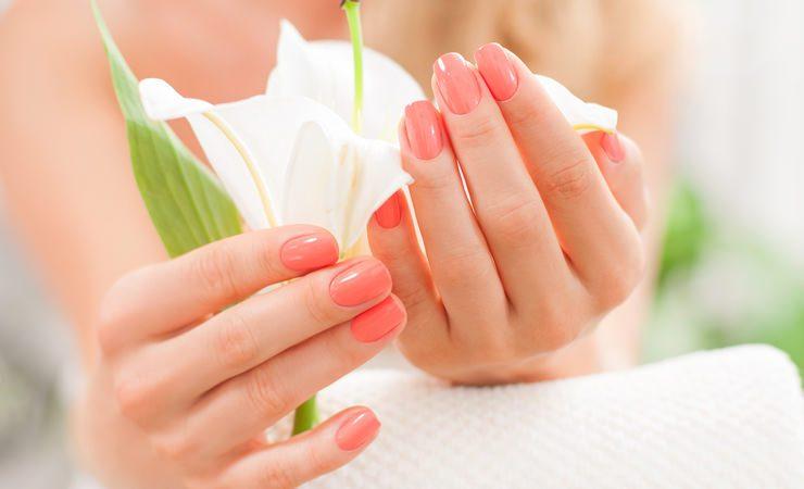 O vício de roer unhas e um poderoso ritual para parar de roê-las