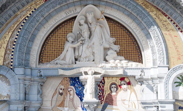 Hoje é Dia de Nossa Senhora de Lourdes (protetora dos enfermos), Dia Mundial do Enfermo com dica de banho especial…