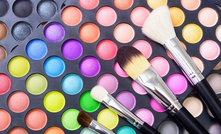 Saiba o que as cores da maquiagem dizem sobre você